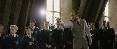 Fantastic Beasts: The Crimes of Grindelwald 2018 movie still Jude Law