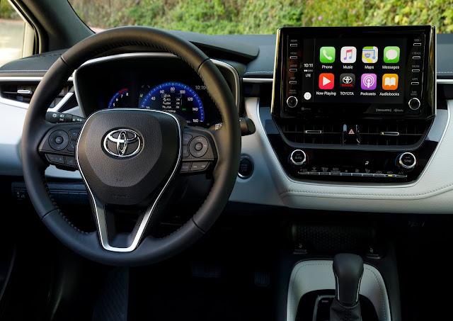 Interior view of 2019 Toyota Corolla Hatchback