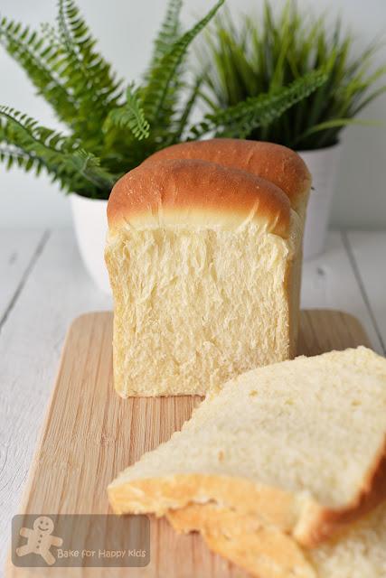golden sandwich bread