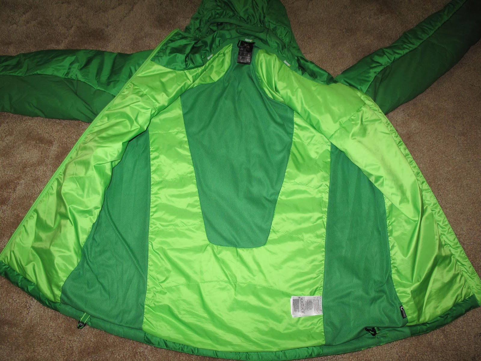 Inside of Ndosphere Jacket. Darker green is stretch knit Cocona fabric.  Feels like a comfortable base layer. fc747ecede