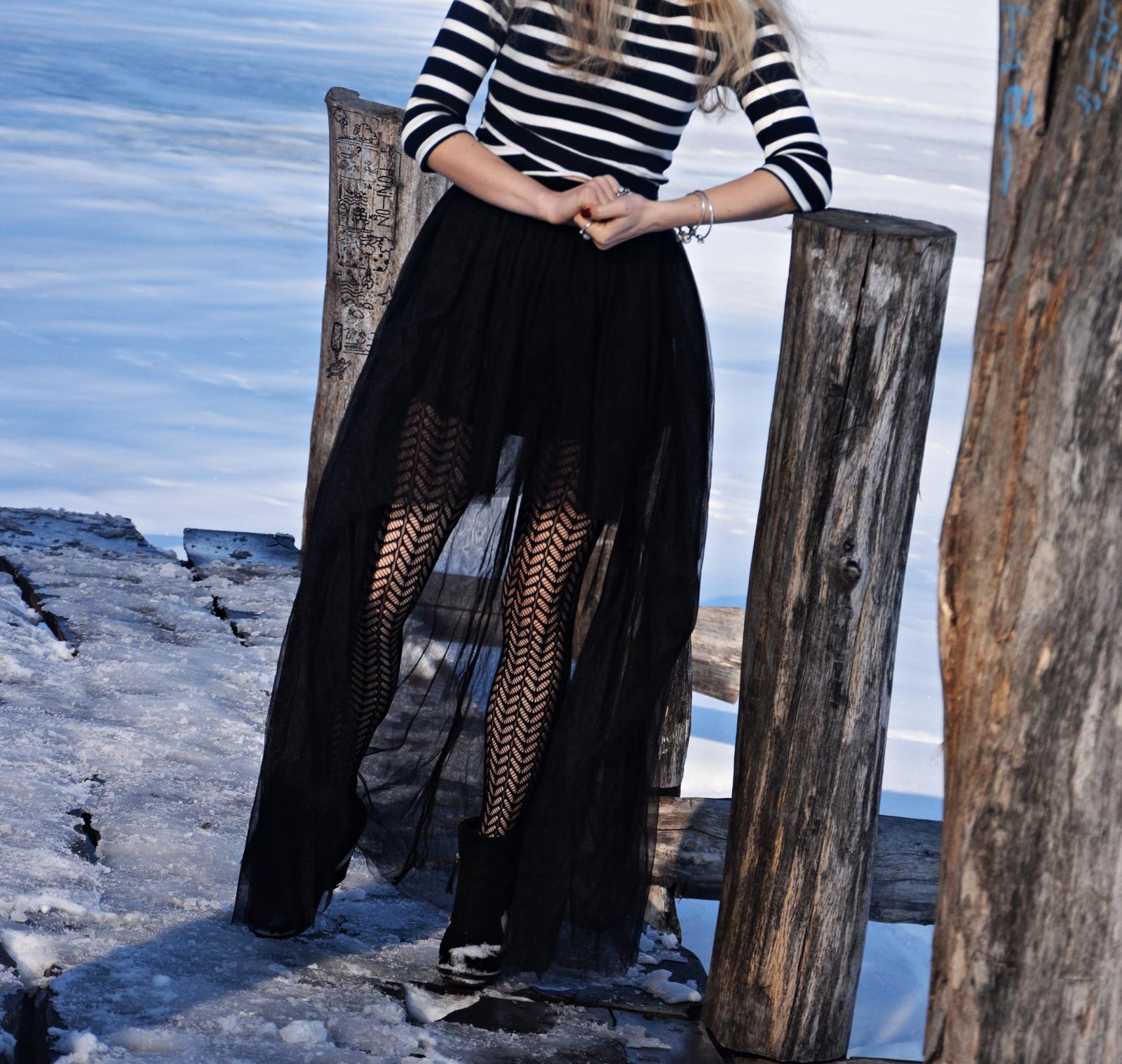 Ciorapi cu model, eleganti si potriviti pentru orice tip de fusta