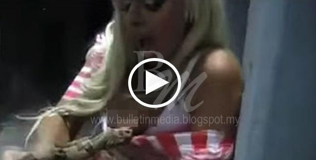 [VIDEO] ular mati keracunan silikon akibat gigit payudara palsu model Israel