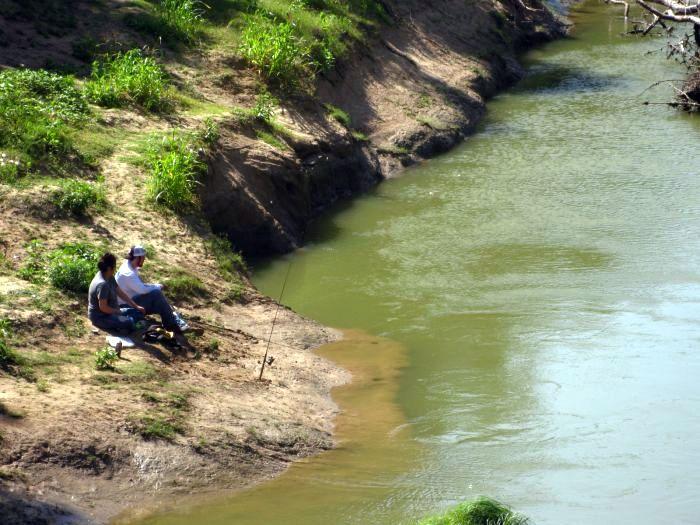 Durango texas not gone fishing in arlington 39 s river for Trinity river fishing