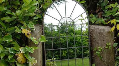Espejos en el jardín