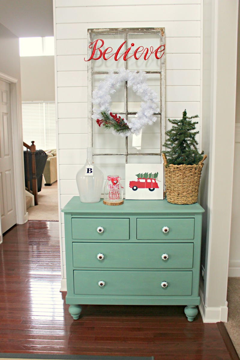 decorations ideas for Christmas entryway
