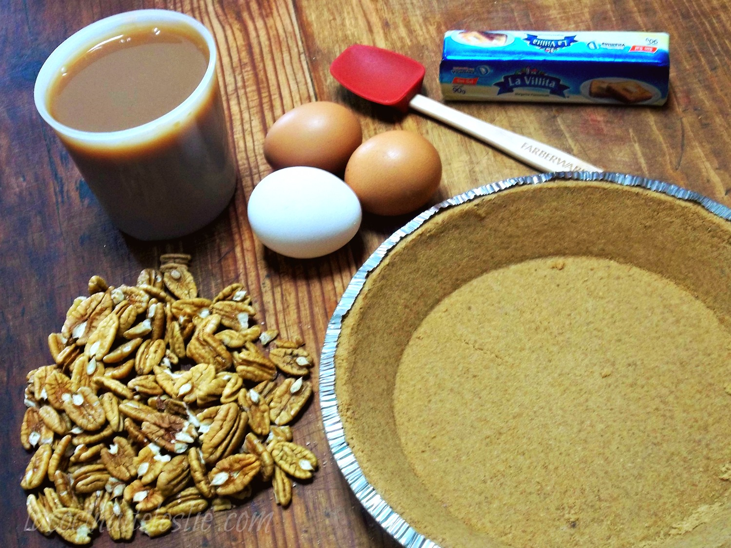 Holiday Pies: Cajeta Pecan Pie & Pay de Cajeta {She Made ...