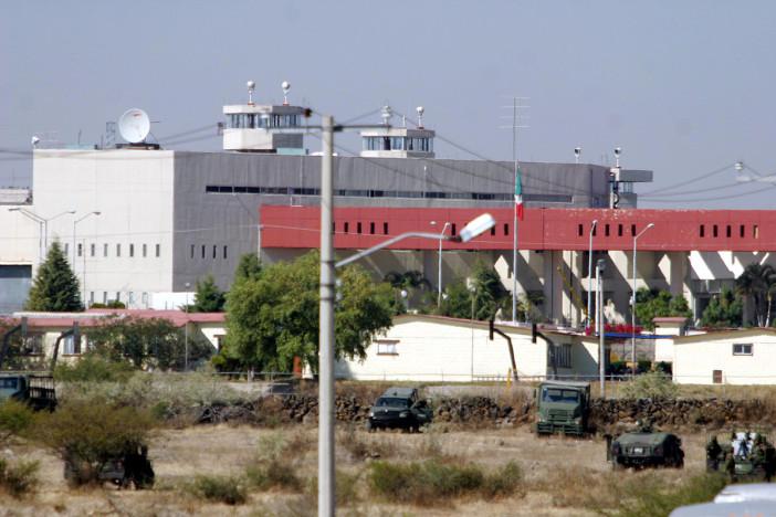Atacan a tiros a custodios del penal de Puente Grande; hay un muerto y tres heridos