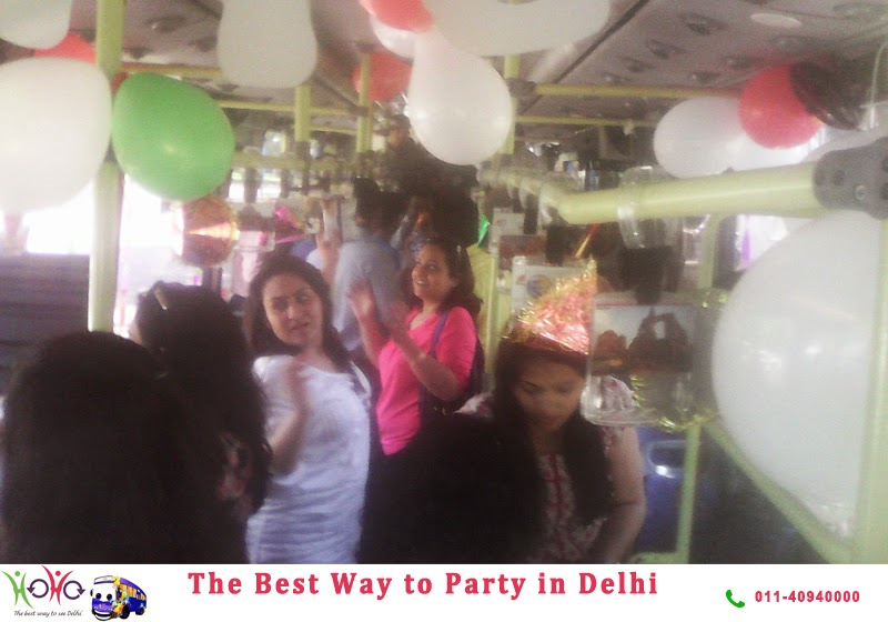 Birthday in Delhi in HOHO Bus