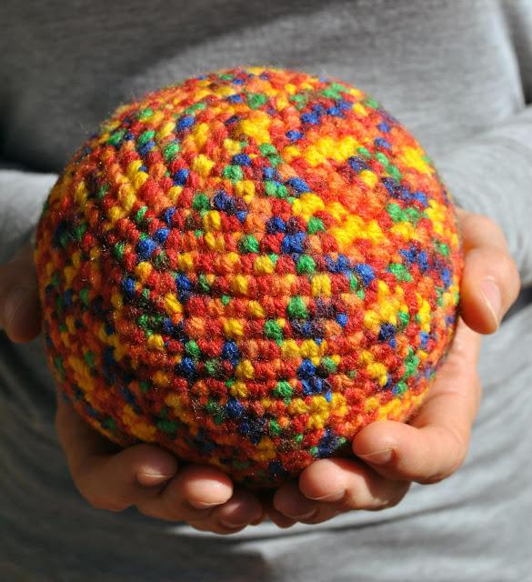 Patrón pelota para bebés a ganchillo