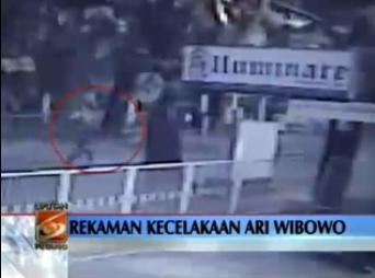 Video Rekaman CCTV Ary Wibowo Menabrak Kakek Kronologi Kecelakaan