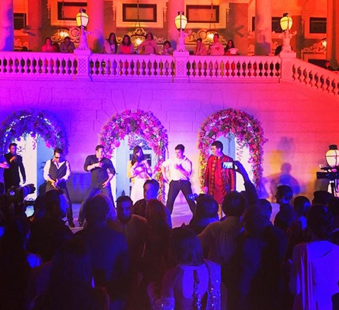 Chikni Chameli dance by Salman Khan, Aamir Khan and Katrina at Arpita's wedding celebrations