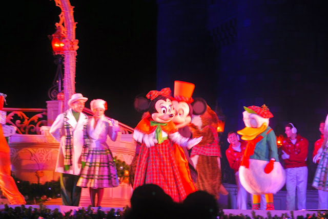 Minnie Mouse, Mickey Mouse, Christmas Show