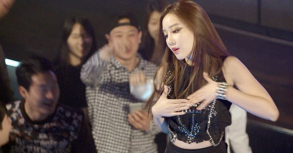 Woori de Rainbow baila Up & Down de ExID   Kpop Replay