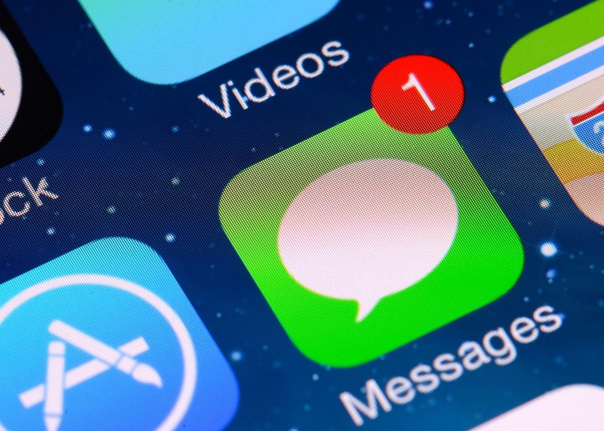 Bahaya SMS Chat-V.com: Kalau Diklik, Ponsel Bisa Dibobol dan Data Pribadi Dicuri