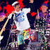 CONFUNDEN CONCIERTO DE UNA BANDA DE GAITEROS CON RED HOT CHILI PEPPERS