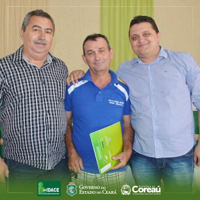 Prefeito Carlos Roner e o governo do Ceará entregam 271 títulos de propriedades rurais
