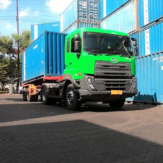 Zona Irit BBM Truck Isuzu Giga FVM 285ps Dan Truck UD Quester
