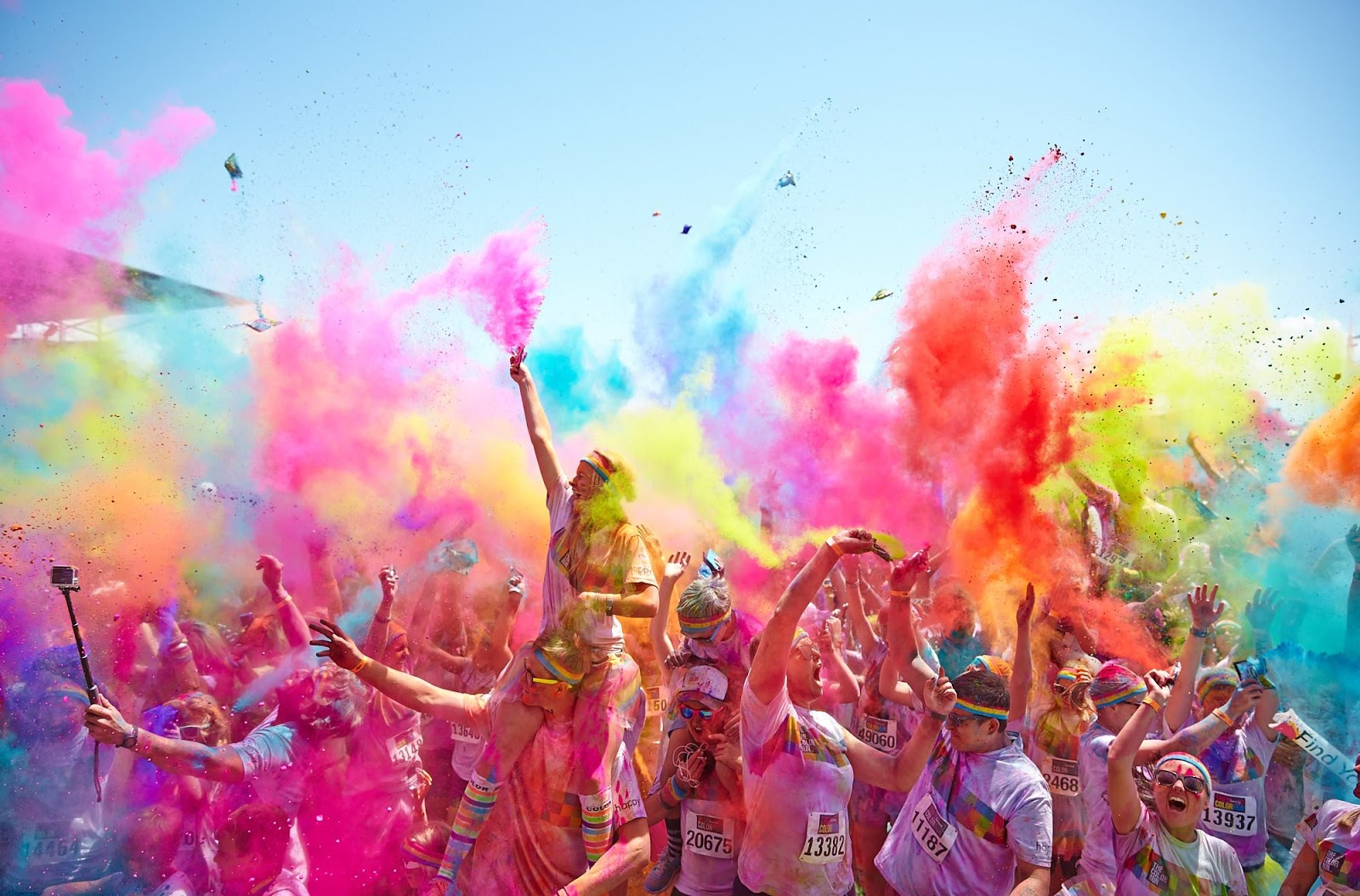 get happy on the gold coast this weekend at the color run gold