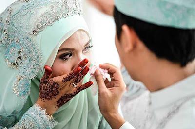 tahukah-anda-betapa-pentingnya-hormat-pada-suami-selepas-berkahwin-2