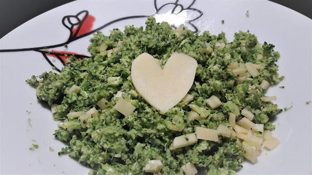 Ryż brokułowy - przepis na szybki biad