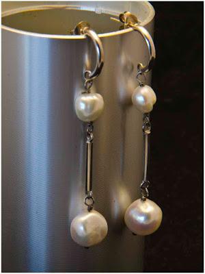 Pendientes de plata y perlas barrocas blancas. Joyería Artesanal Personalizada
