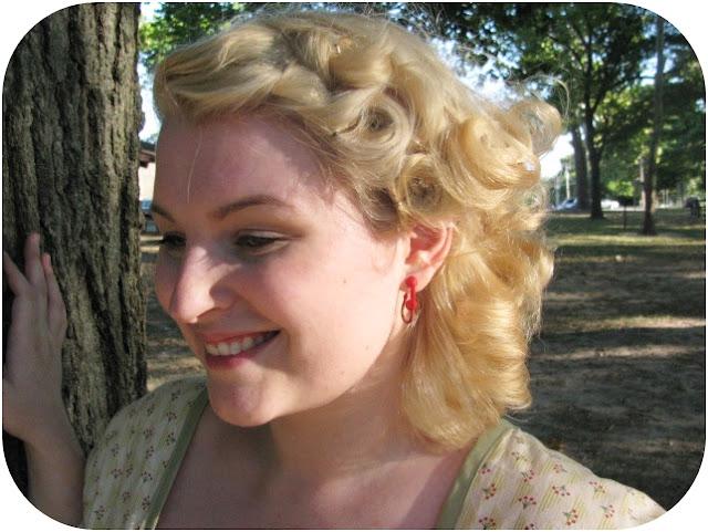 pin curl hair style via Va-Voom Vintage