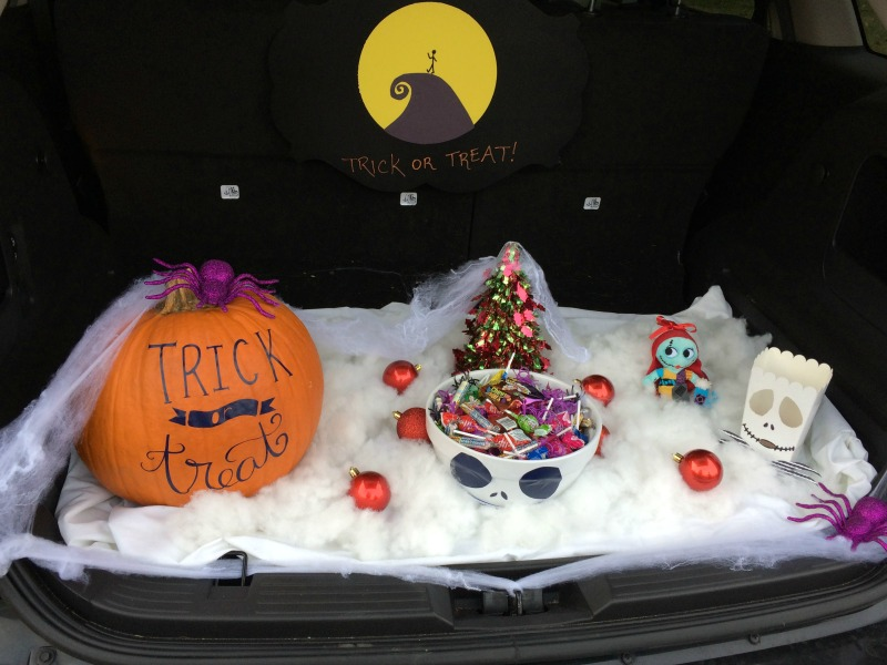 Real Girl's Realm: Nightmare Before Christmas Costume and Decor Ideas