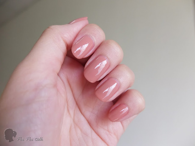 essie-gel couture-pinned up-試色