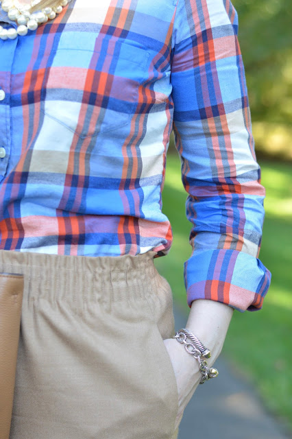 j.crew-plaid-shirt-outfit