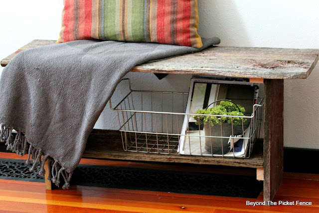 rustic bench DIY made with reclaimed wood