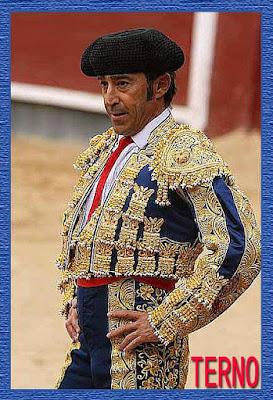 Diccionario taurino 13900318_1002242286559873_5430189144234444855_n