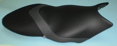 Tapizado de asiento de moto con patrón nuevo