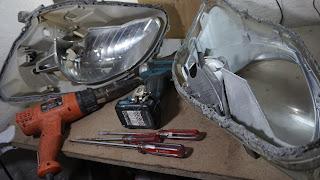Cara membuka reflektor lampu motor atau mobil