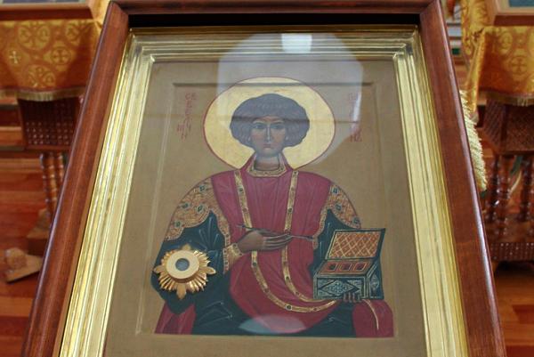 Θεσπρωτία: Λιτανεύτηκε στην Ηγουμενίτσα η εικόνα του αγίου Παντελεήμονα, με τη συμμετοχή πλήθους πιστών...