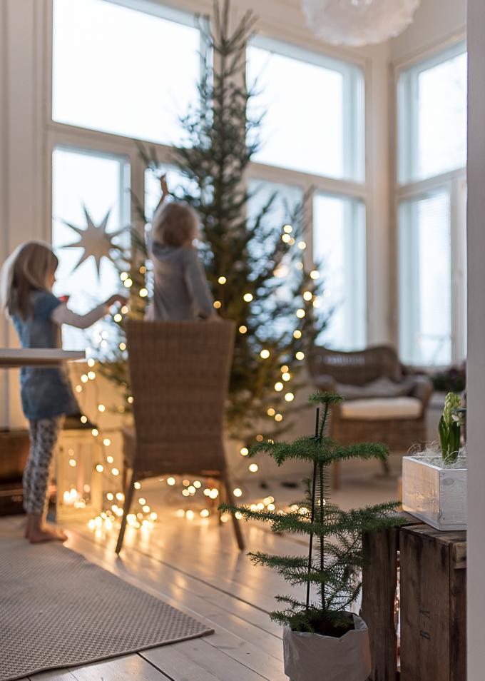 joulukuusen koristelu, joulukuusi, julgran, christmastree decorating