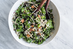 Kale Chicken Salad with Apples and Maple Cider Vinaigrette #vegan #recipevegetarian