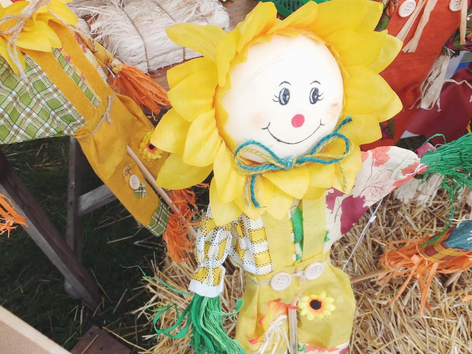 Kettlewell-Yellow-Scarecrow