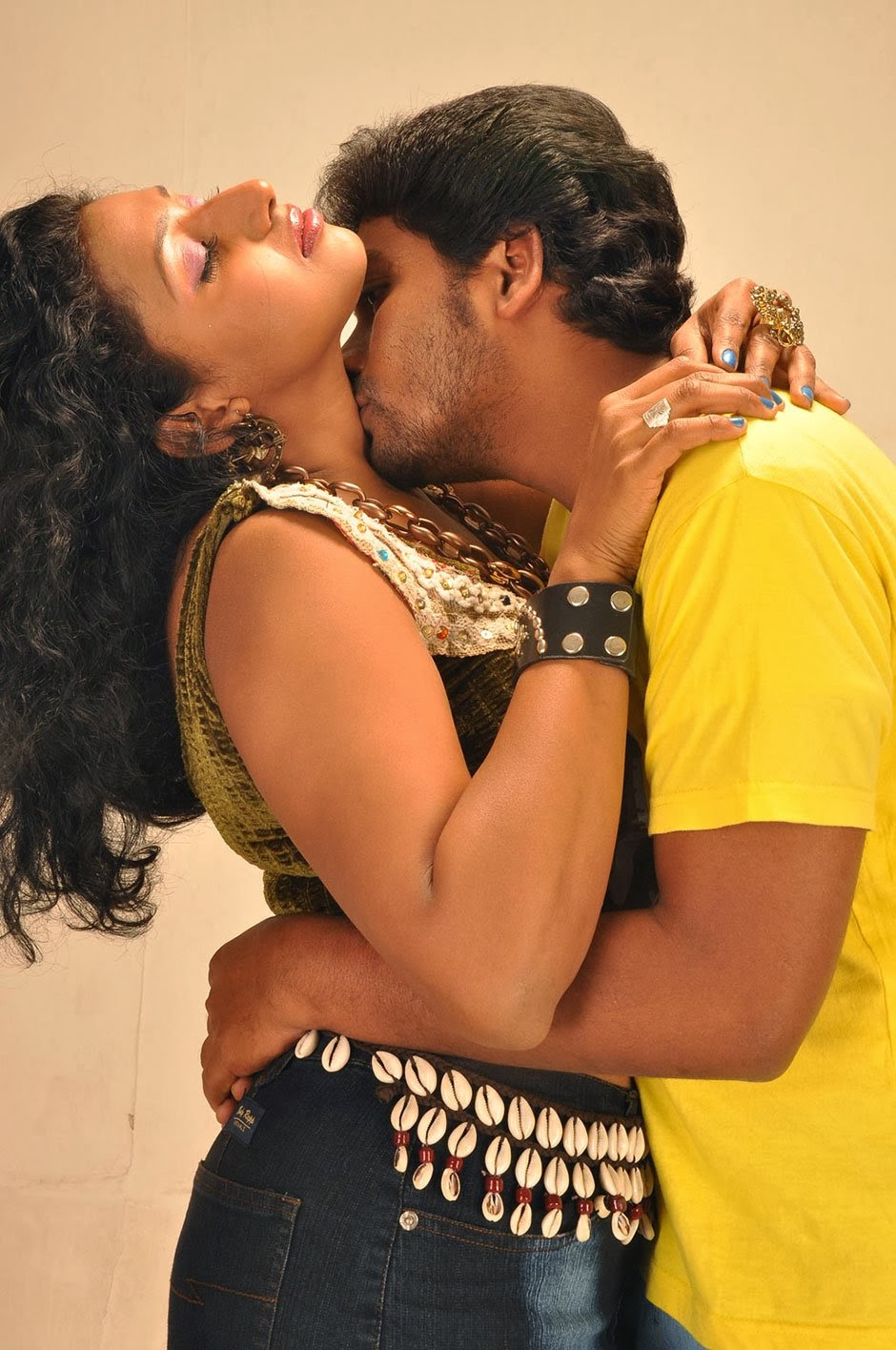 Indian Movies Actress Hot Kiss Photos-6018