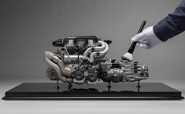 Bugatti Chiron motor a escala