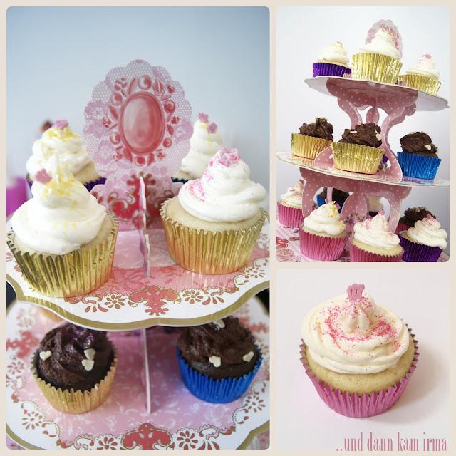 Geburtstagsparty, Rezept, saftige Schokoladen Cupcakes, Schokoladenmousse Topping, Vanill-Swiss Meringue Buttercreme, Vanille Cupcakes,