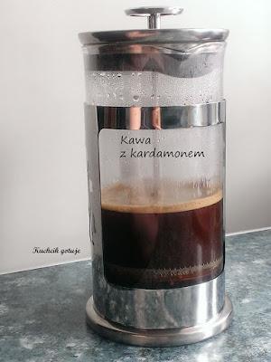 Kawa parzona z dodatkami