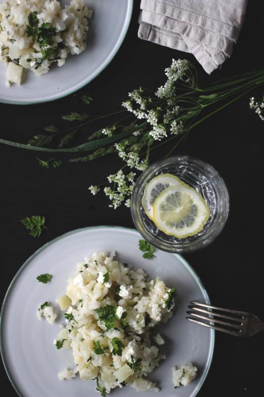 Schnelles und einfaches Rezept für Kohlrabi-Ofenrisotto mit Feta und Kerbel. Holunderweg18