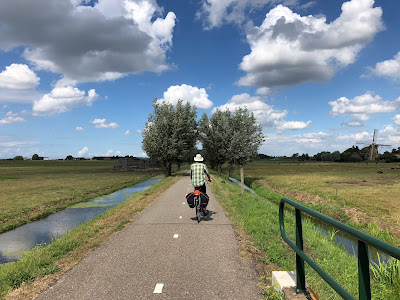 A bike trail in Maasland, the Netherlands.