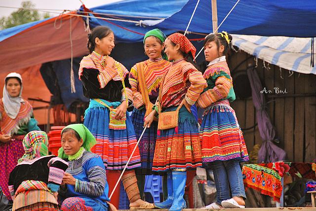 Colorful Bac Ha - Sắc Màu tại chợ phiên Bắc Hà