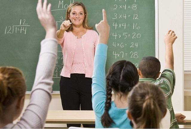 öğretmen ve öğrenciler