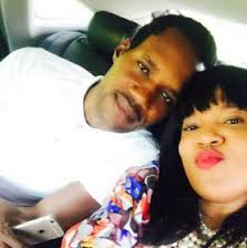 Toyin Aimakhu takes Seun Egbegbe to poilice station and he issues apology to her
