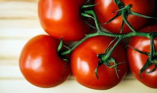 5 BENEFITS OF TOMATO FOR FACE CARE TO BE GORGEOUS - HEALTHY T1PS