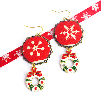 Christmas dangling earrings