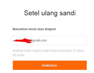 Ponsel atau Email