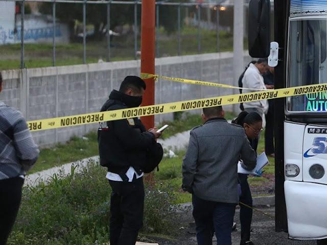 """""""Justiciero"""" hinca y mata a dos presuntos delincuentes en la autopista México-Pachuca."""